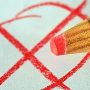 rood potlood met formulier