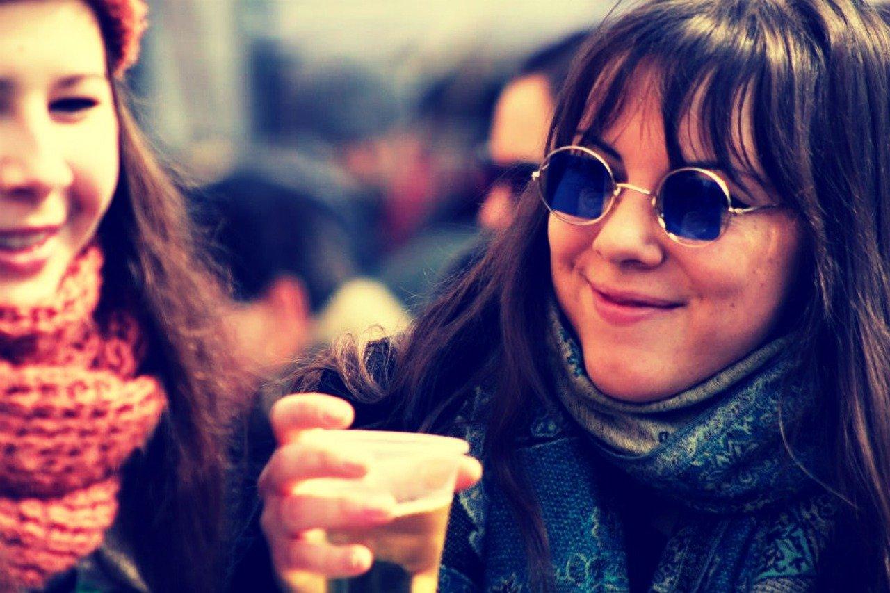meisje met glas bier